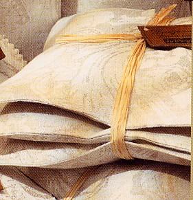 Linen Scents: Cushions
