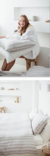 Guest House Stripe, Bedlinnen: dekbedovertrek en slopen, 100% linnen, washed look, geweven tijkstreep, oyster strepen op licht grijs, Libeco (België)