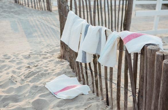 Porticcio, 100% linnen afdroogdoek (theedoek, glazendoek) twee ingeweven strepen zijkanten, kleuren:Turquoise; Stone; Grey; Black; Red, Libeco (Belgisch)