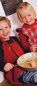 Enfärgad, keukenlinnen: schort / pannenlappen / overwant, katoen, uni, Nyblom (Zweden) (UITVERKOOP)