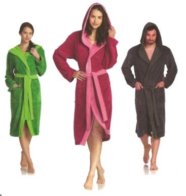 Poppy, badjas, unisex, afwerking met contrast kleur, omkeerbaar (double sided), 45% PES, 35% Rayon (Bamboo) 20% katoen, velour weving, met capuchon, merk: Vossen (Oostenrijk)